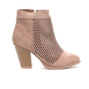 Women's Laser Cut Casual Ankle Bootie Boots